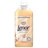 Кондиционер Lenor 2л миндальное масло для чувствительной кожи