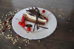 Пирожное десерт чиз-кейк три шоколада, собственное производство